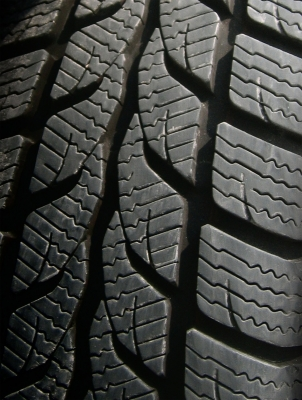 Rozdiel medzi letnými, zimnými a celoročnými pneumatikami