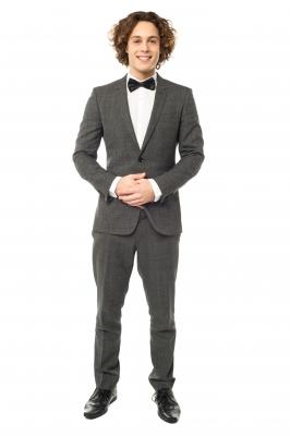 Rozdiel medzi oblekom a smokingom