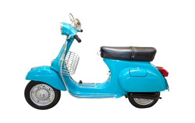 Rozdiel medzi mopedom a skútrom